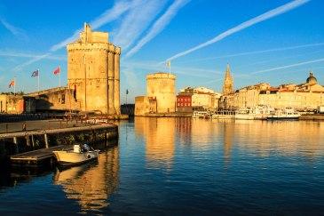 Vieux-port-de-La-Rochelle-France-iStock_000065670675_Large-2
